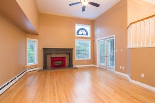 Photo 3: 4210 NAUTILUS Close in Vancouver: Point Grey Townhouse for sale (Vancouver West)  : MLS®# R2425765