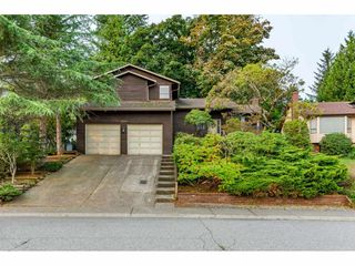 "Photo 1: 2359 WOODSTOCK Drive in Abbotsford: Abbotsford East House for sale in ""McMillan"" : MLS®# R2505106"