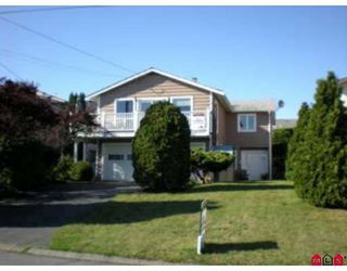 Photo 1: 15861 Cliff Ave in White Rock: Home for sale : MLS®# F2833351