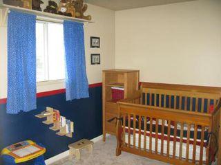 Photo 13: Gorgeous 4 Bedroom Bungalow