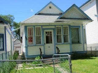 Photo 1: 740 Toronto Street in WINNIPEG: West End / Wolseley Residential for sale (West Winnipeg)  : MLS®# 1211382