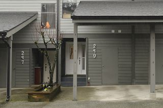 "Photo 3: 249 BALMORAL PL in Port Moody: North Shore Pt Moody Townhouse for sale in ""BALMORAL PLACE"" : MLS®# V987932"