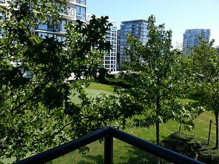 "Photo 7: 606 7555 ALDERBRIDGE Way in Richmond: Brighouse Condo for sale in ""OCEAN WALK"" : MLS®# V1016747"