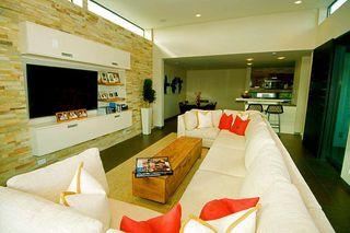 Photo 14: LA JOLLA House for sale : 3 bedrooms : 5647 Chelsea Avenue
