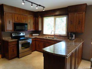 Photo 7: 38 Elmvale Crescent in WINNIPEG: Charleswood Residential for sale (South Winnipeg)  : MLS®# 1420385