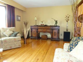 Photo 10: 38 Elmvale Crescent in WINNIPEG: Charleswood Residential for sale (South Winnipeg)  : MLS®# 1420385
