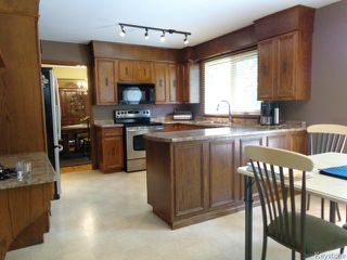 Photo 4: 38 Elmvale Crescent in WINNIPEG: Charleswood Residential for sale (South Winnipeg)  : MLS®# 1420385
