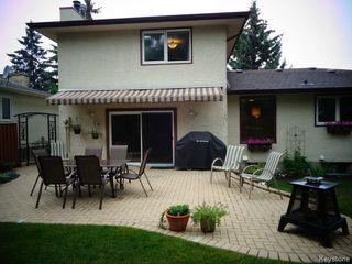 Photo 3: 38 Elmvale Crescent in WINNIPEG: Charleswood Residential for sale (South Winnipeg)  : MLS®# 1420385