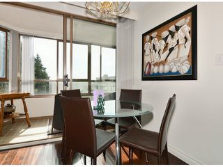 Photo 7: # 709 15111 RUSSELL AV: White Rock Condo for sale (South Surrey White Rock)  : MLS®# F1405374