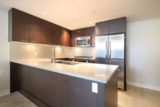 Photo 4: 507 2975 ATLANTIC AVENUE in Coquitlam: North Coquitlam Condo for sale : MLS®# R2055652