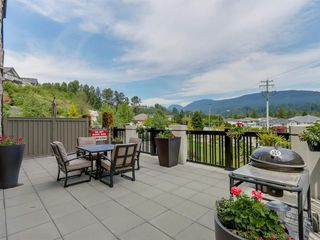 Photo 1: 205 3178 Dayanee Springs Boulevard in Coquitlam: Westwood Plateau Condo for sale : MLS®# R2077775