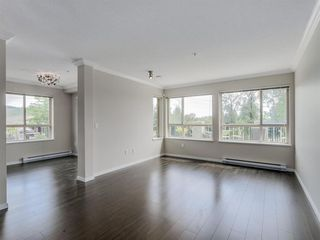 Photo 3: 205 3178 Dayanee Springs Boulevard in Coquitlam: Westwood Plateau Condo for sale : MLS®# R2077775