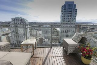 Photo 8: 1704 1455 HOWE STREET in Vancouver: Yaletown Condo for sale (Vancouver West)  : MLS®# R2263056