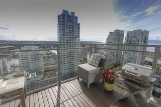 Photo 7: 1704 1455 HOWE STREET in Vancouver: Yaletown Condo for sale (Vancouver West)  : MLS®# R2263056