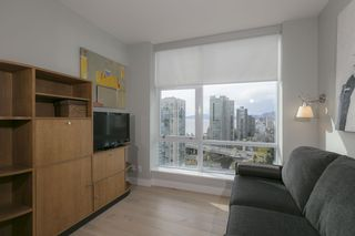 Photo 13: 1704 1455 HOWE STREET in Vancouver: Yaletown Condo for sale (Vancouver West)  : MLS®# R2263056