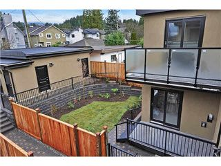 Photo 5: 2 236 E 18TH Street in North Vancouver: Central Lonsdale House 1/2 Duplex for sale : MLS®# R2423163