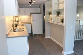 Photo 2: 3319 48 Street in Edmonton: Zone 29 House for sale : MLS®# E4191329