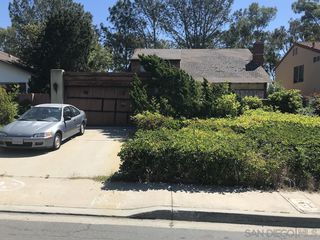 Photo 1: UNIVERSITY CITY House for sale : 5 bedrooms : 6241 Lakewood St in San Diego