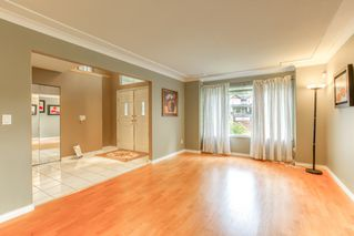 """Photo 3: 3318 ROBSON Drive in Coquitlam: Hockaday House for sale in """"HOCKADAY"""" : MLS®# R2473604"""