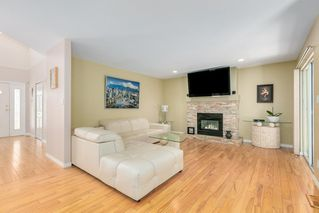 Photo 7: 1052 LANGARA Court in Coquitlam: Ranch Park House for sale : MLS®# R2475679