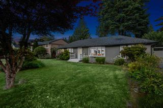 Photo 3: 2562 POPLYNN Drive in North Vancouver: Westlynn House for sale : MLS®# R2480426
