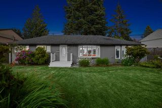 Photo 1: 2562 POPLYNN Drive in North Vancouver: Westlynn House for sale : MLS®# R2480426