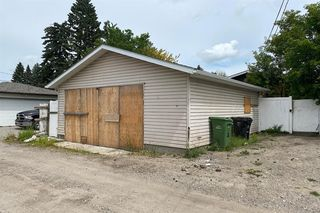 Photo 2: 2227 47 Street SE in Calgary: Forest Lawn Detached for sale : MLS®# A1018419