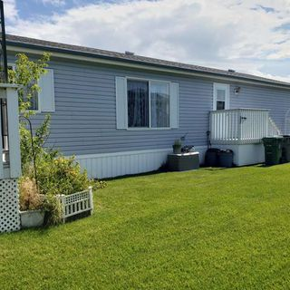 Photo 3: 42 Midland Road S: Millet Mobile for sale : MLS®# E4209786