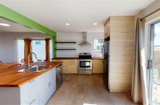 Photo 2: 10627 10 Avenue in Edmonton: Zone 16 House for sale : MLS®# E4213110