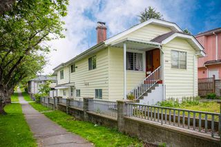 Main Photo: 3708 DUMFRIES Street in Vancouver: Knight House for sale (Vancouver East)  : MLS®# R2495600