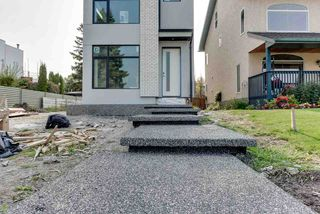 Photo 4: 8805 Strathearn Drive in Edmonton: Zone 18 House for sale : MLS®# E4216999