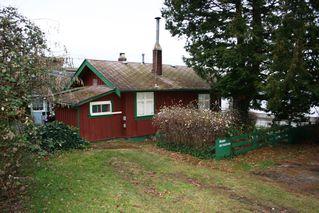 Photo 2: 15406 Victoria Avenue in White Rock: Home for sale : MLS®# F2803488