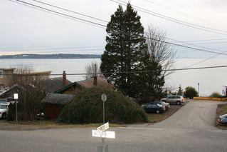 Photo 3: 15406 Victoria Avenue in White Rock: Home for sale : MLS®# F2803488