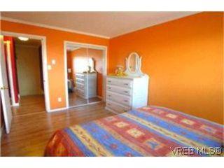Photo 9:  in VICTORIA: Es Kinsmen Park Row/Townhouse for sale (Esquimalt)  : MLS®# 392206