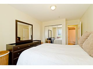 """Photo 11: # 305 155 E 3RD ST in North Vancouver: Lower Lonsdale Condo for sale in """"THE SOLANO"""" : MLS®# V1024934"""
