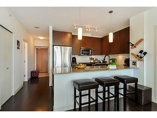 Photo 7: # 605 400 CAPILANO RD in Port Moody: Port Moody Centre Condo for sale : MLS®# V1046135