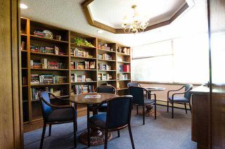 Photo 9: # 411 15111 RUSSELL AV: White Rock Condo for sale (South Surrey White Rock)  : MLS®# F1427876