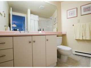 Photo 15: # 411 15111 RUSSELL AV: White Rock Condo for sale (South Surrey White Rock)  : MLS®# F1427876