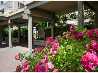Photo 2: # 411 15111 RUSSELL AV: White Rock Condo for sale (South Surrey White Rock)  : MLS®# F1427876