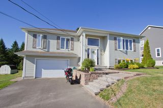 Photo 2: 62 Fawcett Avenue: Sackville House for sale