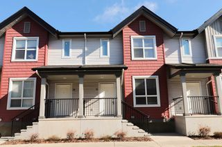 Photo 2: 31 6075 Schonsee Way NW in Edmonton: Schonsee Townhouse for sale : MLS®# E4155039
