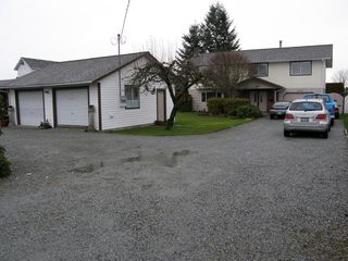 Photo 2: 20319 DEWDNEY TRUNK ROAD in MAPLE RIDGE: Home for sale : MLS®# V1044822