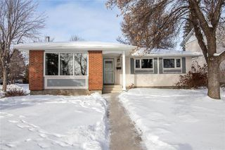 Photo 2: 27 Selwood Avenue in Winnipeg: Charleswood Residential for sale (1G)  : MLS®# 202002567