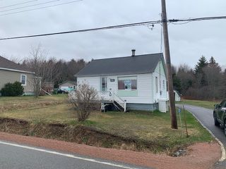 Photo 1: 231 242 Highway in Joggins: 102S-South Of Hwy 104, Parrsboro and area Residential for sale (Northern Region)  : MLS®# 202002580