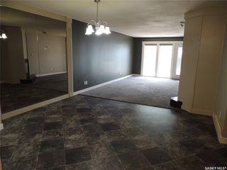 Photo 3: 703 Park Drive in Estevan: Bay Meadows Residential for sale : MLS®# SK813464