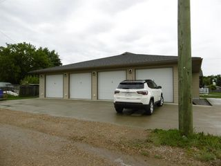 Photo 2: 2 5414 51 Street in Rimbey: NONE Residential for sale : MLS®# A1007458