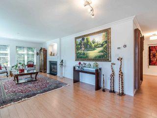 "Photo 7: 308 15220 GUILDFORD Drive in Surrey: Guildford Condo for sale in ""BOULEVARD CLUB"" (North Surrey)  : MLS®# R2477953"