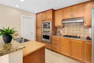 Photo 8: 606 21 Dallas Rd in Victoria: Vi James Bay Condo for sale : MLS®# 841905