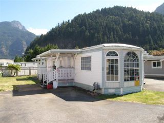 Main Photo: 20 62780 FLOOD HOPE Road in Hope: Hope Center Manufactured Home for sale : MLS®# R2491506