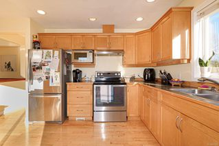 Photo 5: 2168 Cardinal Pl in : CV Comox (Town of) House for sale (Comox Valley)  : MLS®# 861208